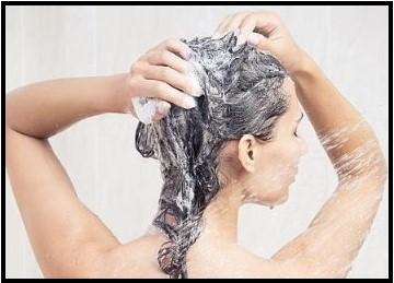 Cómo se debe lavar el pelo graso
