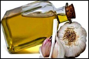 Cómo usar aceite de ajo para el cabello